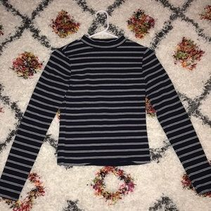Forever 21 Tops - Stripped long sleeve crop top